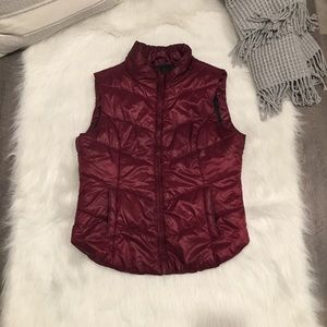Aeropostale Large Red Lightweight Jacket Vest
